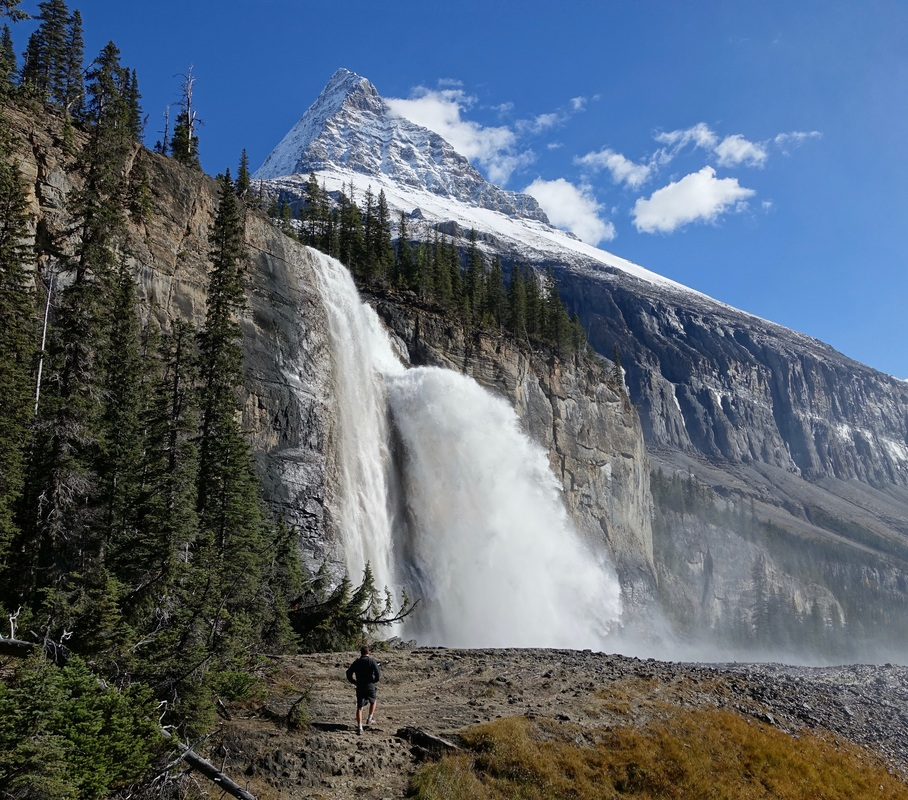 Emperor Falls hike on the Berg Lake trail