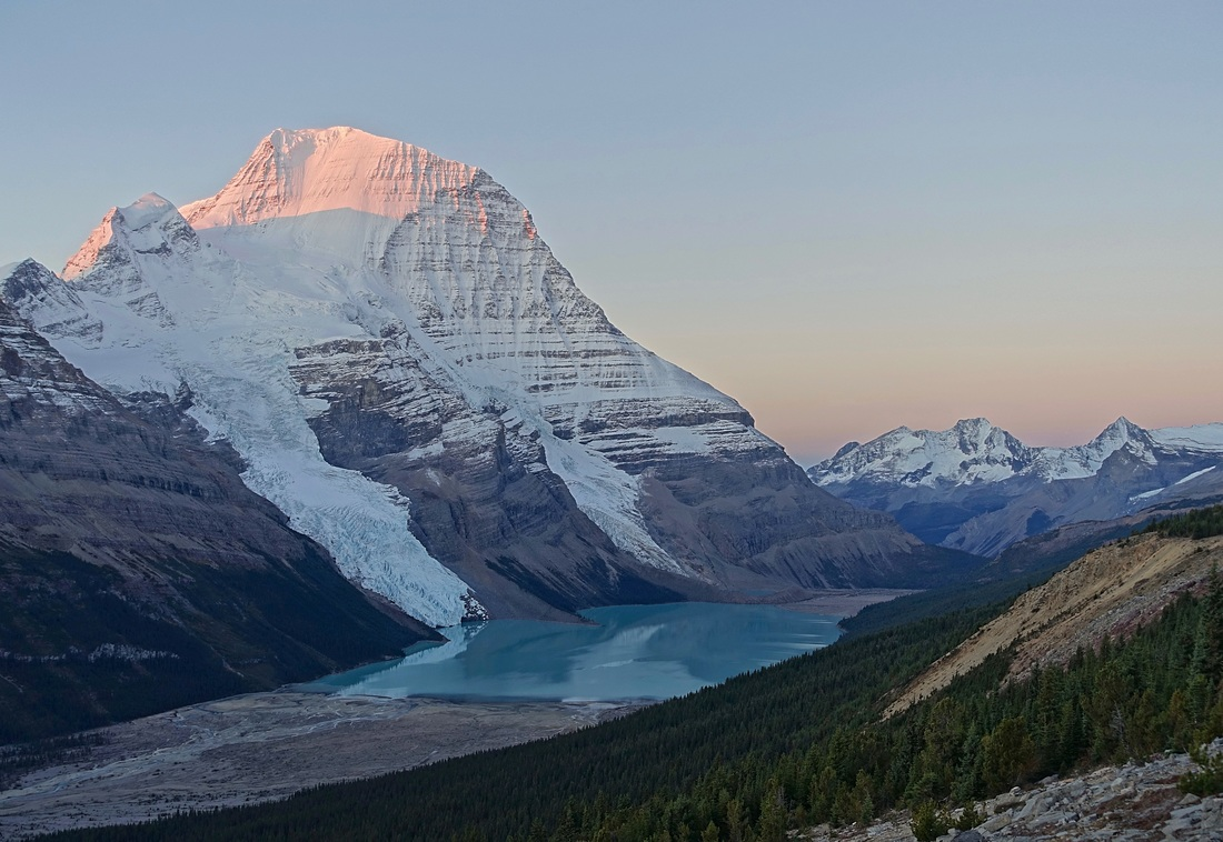 Sunrise from Mumm Basin looking at Mount Robson on the Berg Lake trail